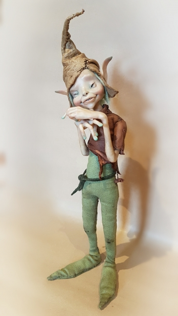 SOLD Green-Fingered Pixie 'Verdell'